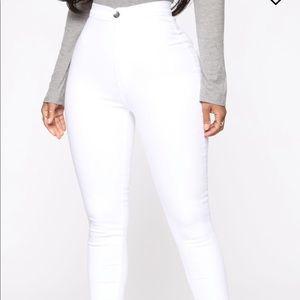 Fashion Nova Jeans ; Size 3 ; never worn